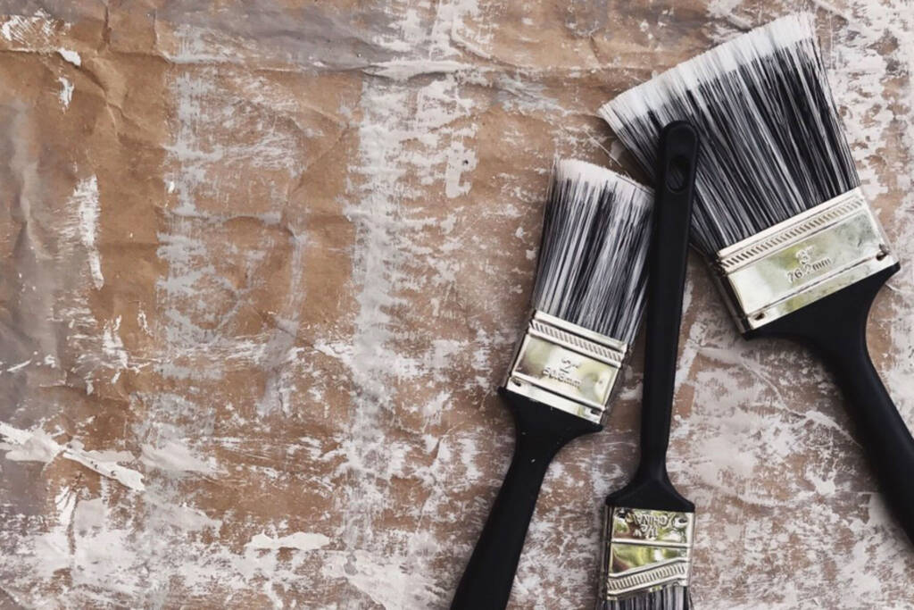 use metal varnish